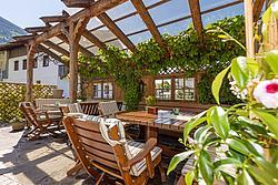 einfach wohlfühlen - Terrasse Metzgerwirt (Uderns) ©becknaphoto
